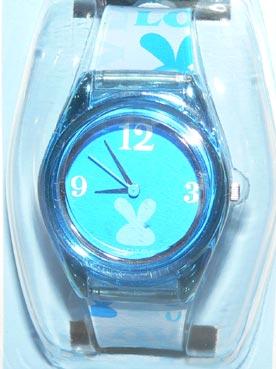 ブルーのLOVEうさ時計