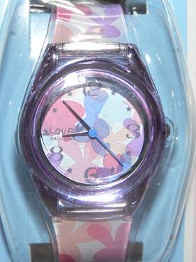 ピンクのLOVEうさ時計